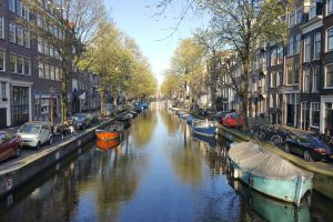 Amsterdam - Between history and modernity